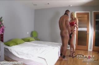 Summer Brielle связала мужа и сама трахнула его страпоном