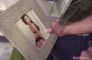 Ania Kinski воспользовалась красотой и завела коллегу на порно