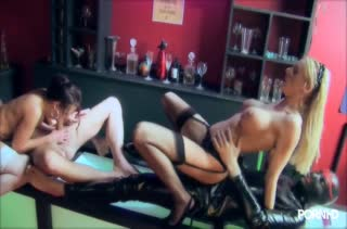 Парни проверили проф пригодность порнушных телочек