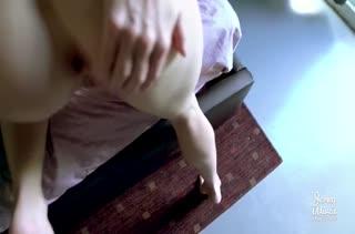 Классная мамка Cory Chase снимается в порно от первого лица