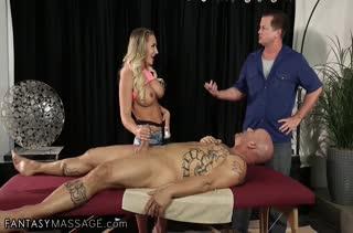 Cali Carter получила два члена на массаже