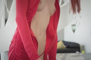 Lovenia Lux похвасталась перед мужем новым бельем