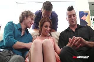 Порно с двойным проникновением в жопастую Britney Amber