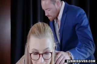 Alexa Grace сделала минет боссу и не стала останавливаться