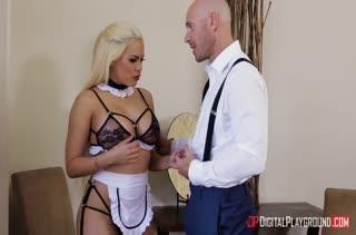 В наказание хозяин устроил с домработницей жесткое порно