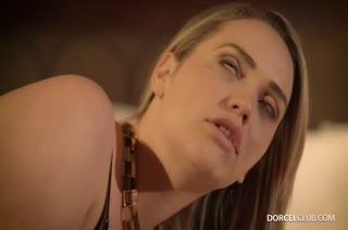 Mia Malkova в эротичном белье принимает хер в попку